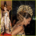 Sarah Jessica Parker, in custom Giles, with a Philip Treacy headpiece, Fred Leighton jewels, and custom Christian Louboutin shoes